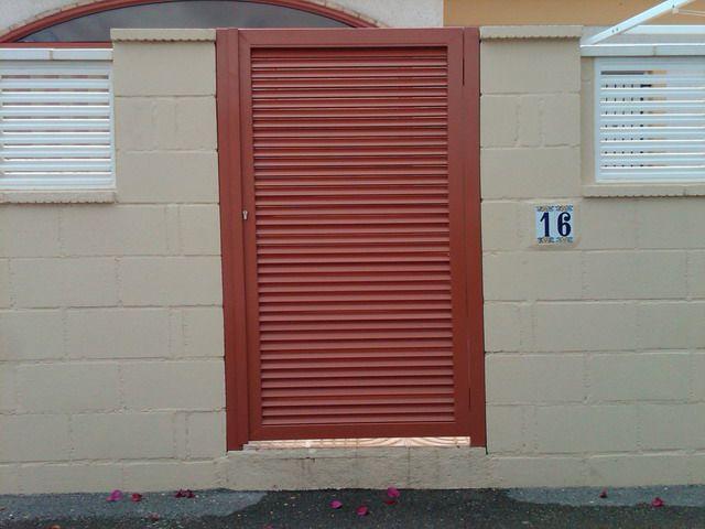 Puerta automatica batiente de mallorquina en acero - Puertas mallorquinas ...