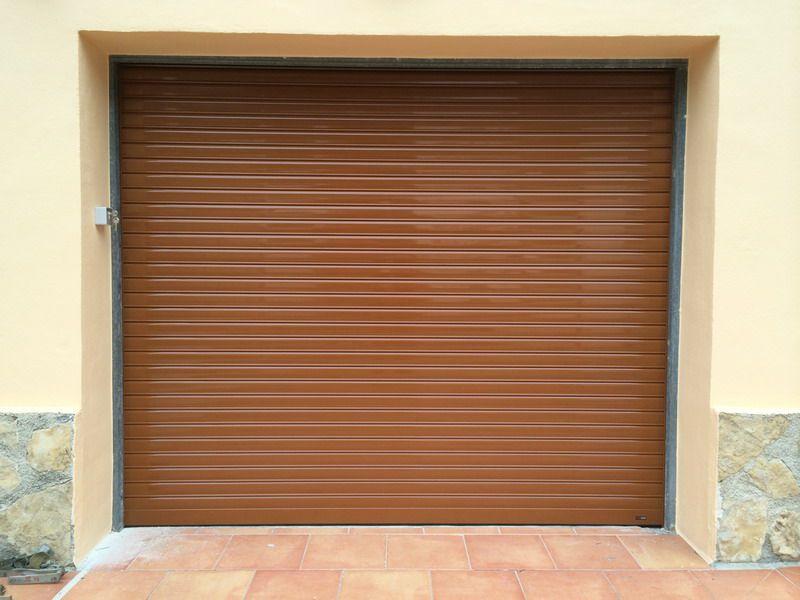 persiana de aluminio como puerta de garaje motorizada en orba On puerta persiana aluminio