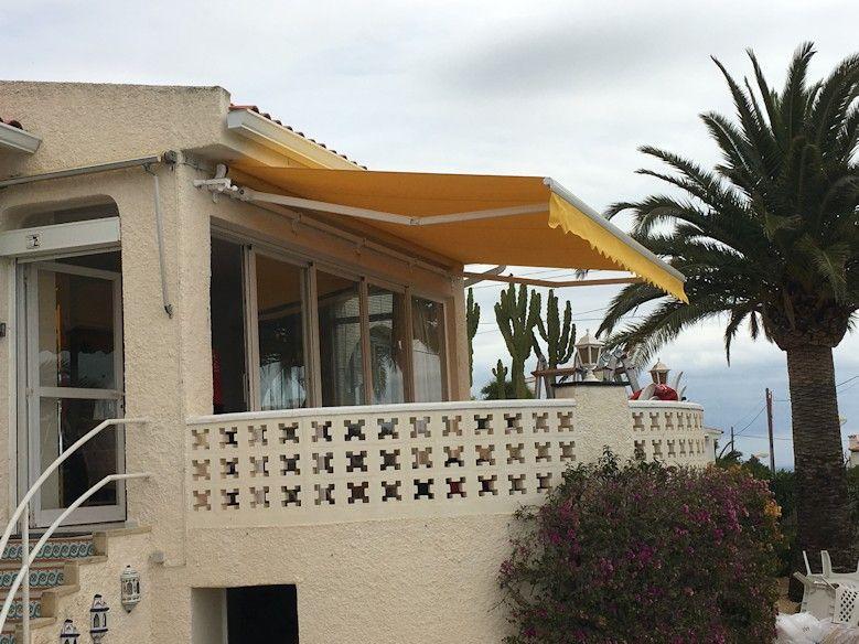 Neue Markise Monoblock Mit Antrieb Und Windsensor In La Nucia